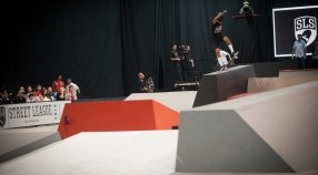 Nyjah Huston wins SLS Chicago